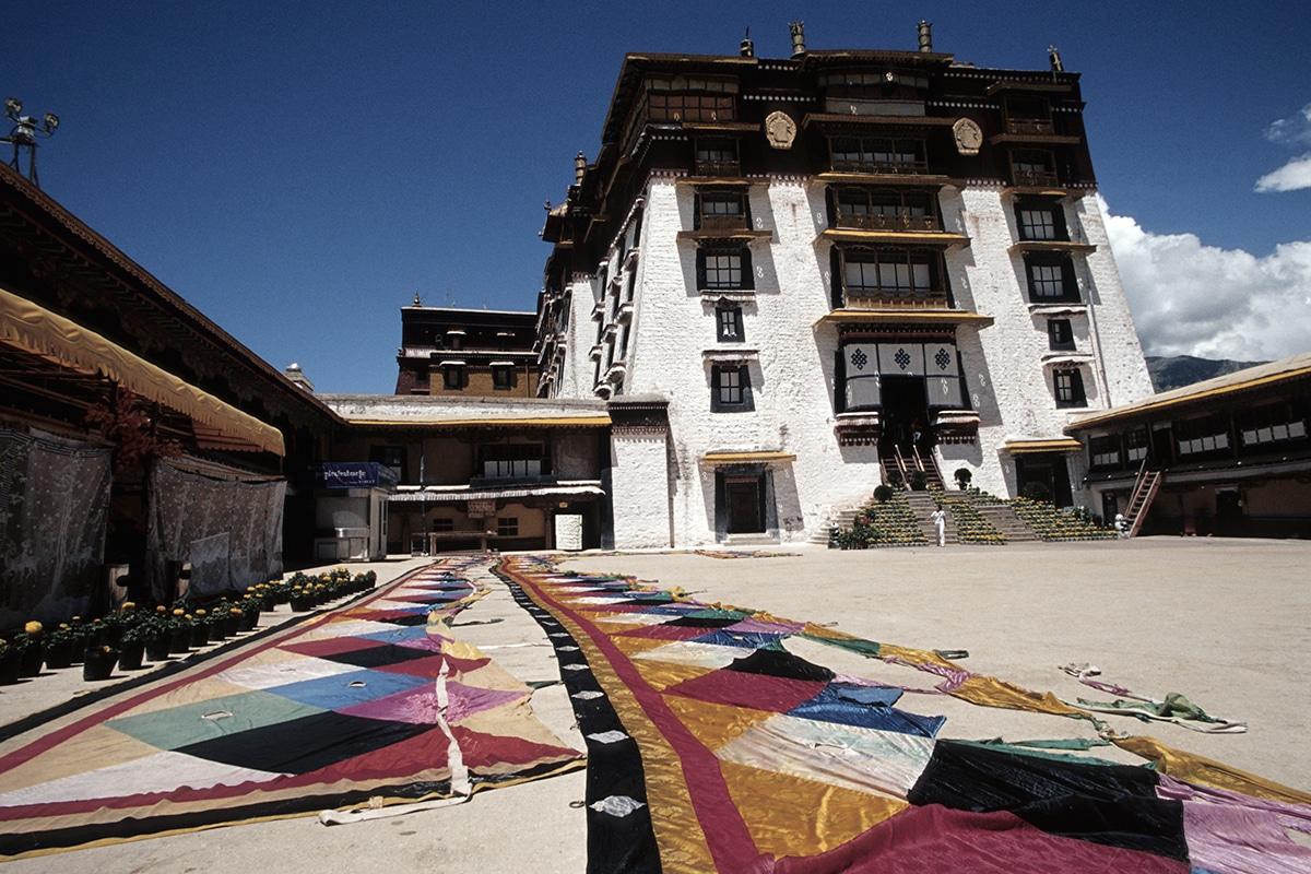 CHNCT100_lhassa circuits chine tibet tui