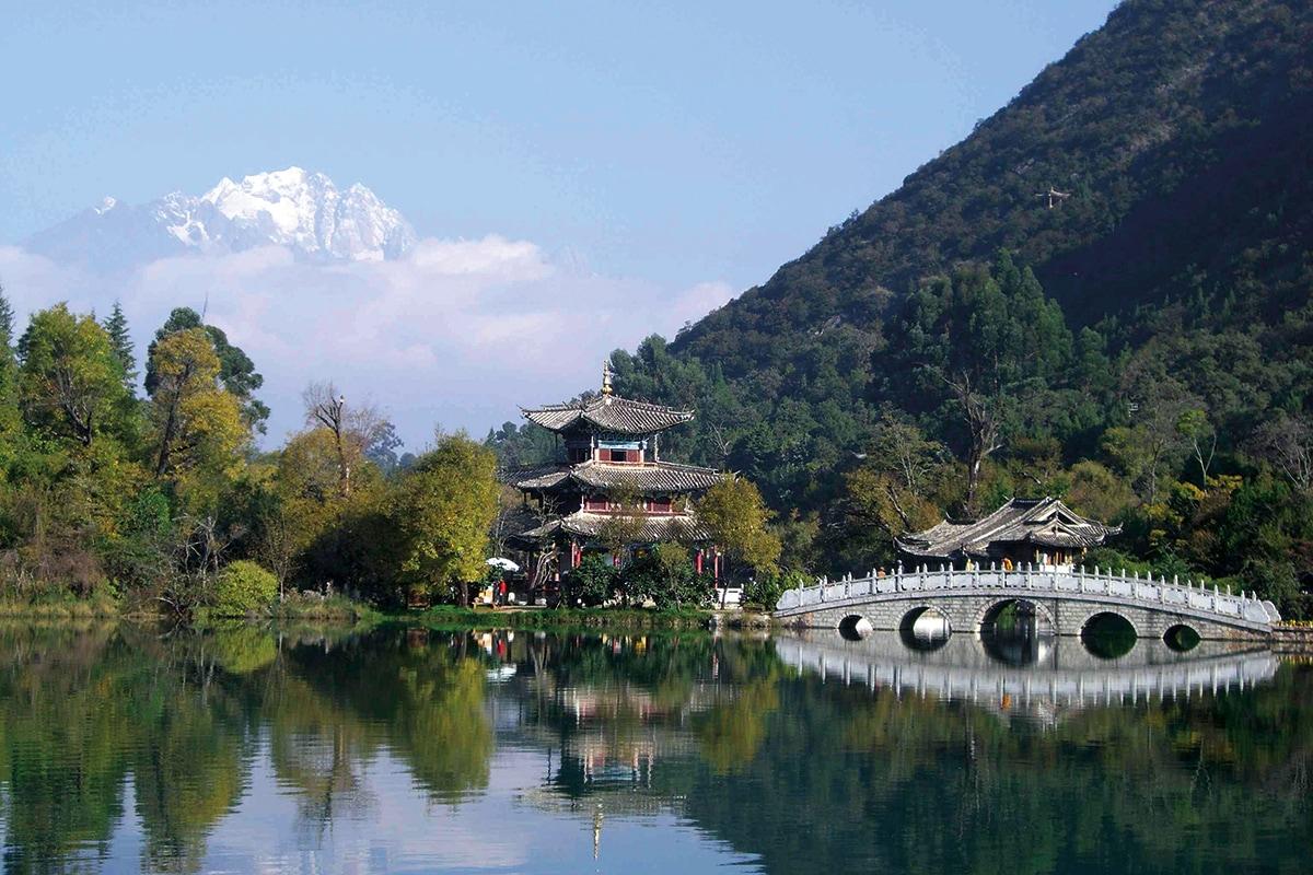CHNCT100_lijiang lac dragon noir circuits chine tibet tui
