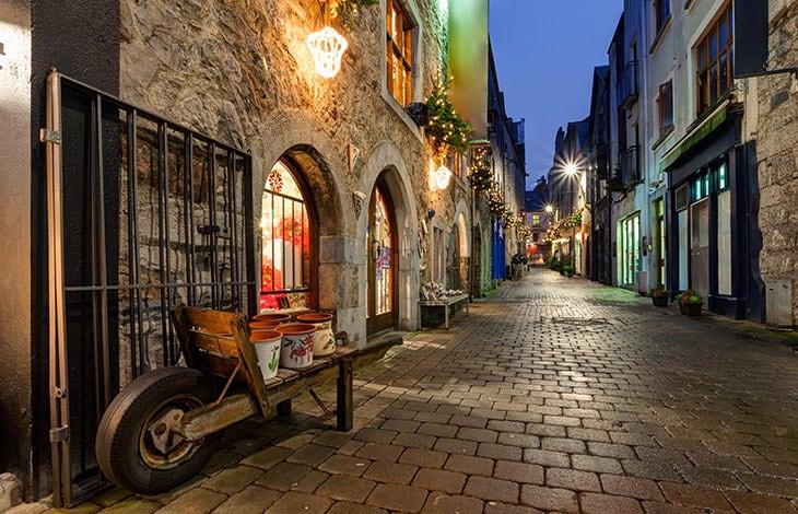 Quay Street, la vieille rue principale à Galway
