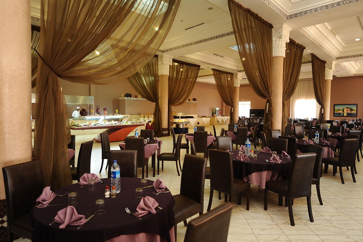 Hotel blue sea marrakech ryads parc spa 4 marrakech for Restaurant avec parc