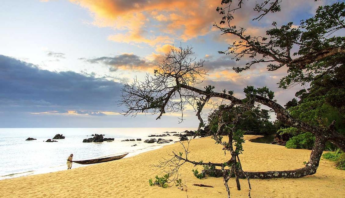 Circuit Rivière Tsiribihina, grands Tsingy, baobabs et sable blanc - TUI