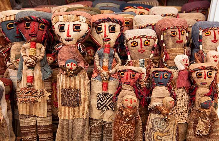 Poupées péruviennes artisanales