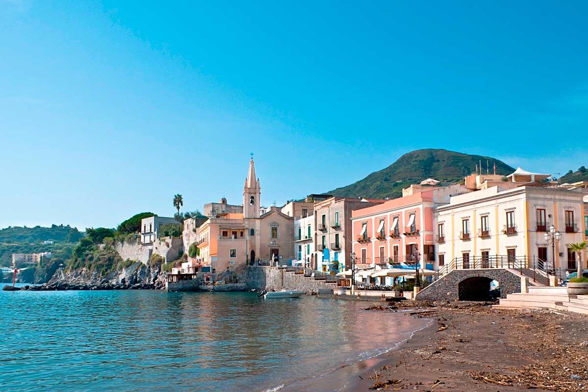 circuit de l 39 etna aux iles eoliennes sicile italie sicile avec voyages leclerc nouvelles. Black Bedroom Furniture Sets. Home Design Ideas